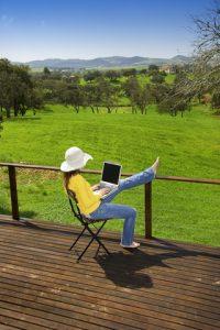 Liz Raad country girl online entrepreneur